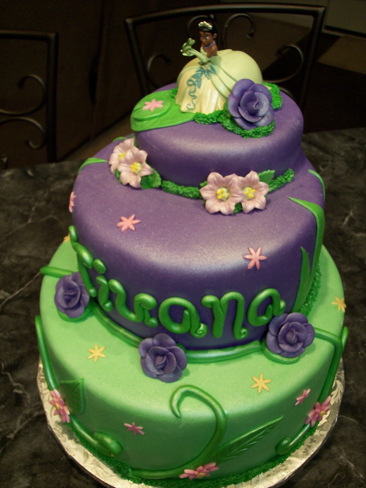 Mymonicakes Princess And The Frog Princess Tiana Cake