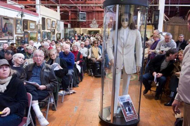 Hennemusic The Beatles John Lennon S Abbey Road Suit Sells For 46k At Auction