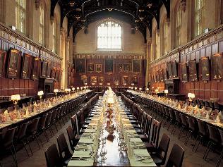 No man 39 s land tra realt e fantasia da londra a hogwarts for Sala pranzo harry potter