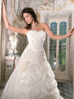 Свадебные платья женские.  Магазин в: Хмельницкий.  Бренд.