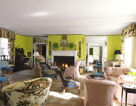Chartreuse Green Walls Again Jeffrey Bilhuber Used Benjamin Moore S Chic Lime Color Making The Soft Pink Slipcovers Pop