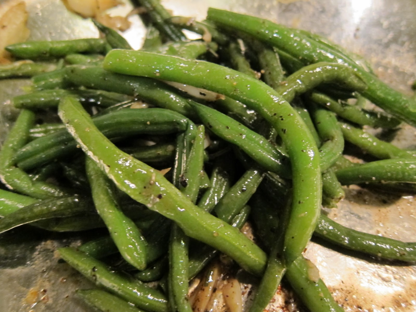 What's Andy Cooking?: Garlicky Green Beans