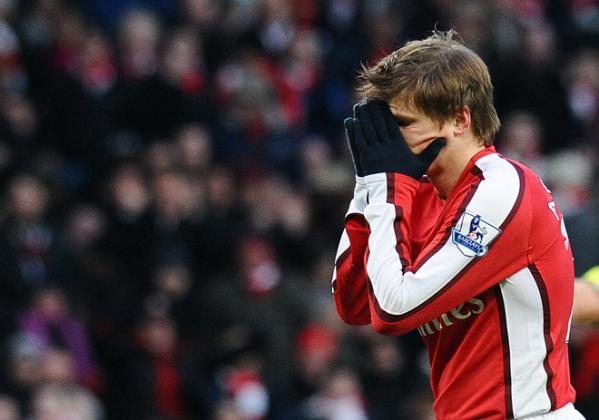 [arshavin+man+uted+hands+face.jpg]