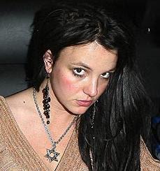 https://i2.wp.com/2.bp.blogspot.com/_RyWwFQN34dc/RcPzJxZpyCI/AAAAAAAAAkQ/QJrQrOO8mkQ/s320/BritneyStarDavidlove.jpg