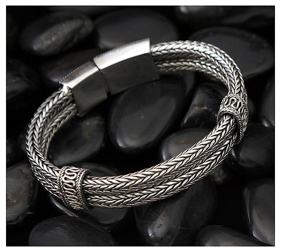 Nuru The Boss Mens Bracelet