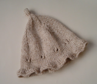 Louise Knits  Knit an easy baby hat 91b75c11248
