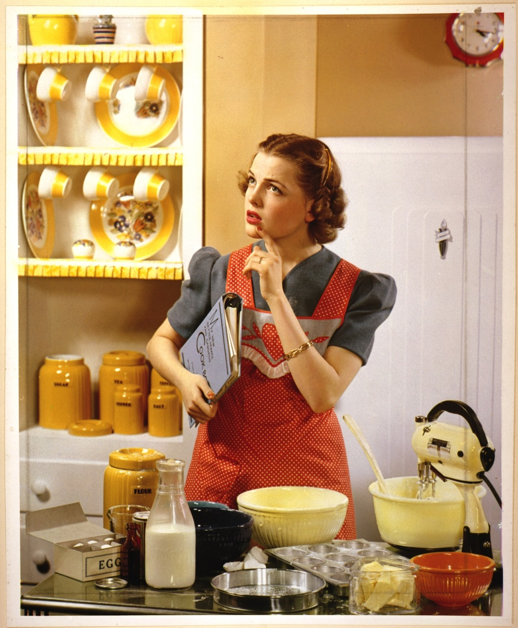Miss Retro's Blog: Inspire Your Inner Housewife.