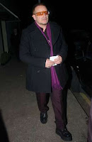Bono en la fiesta de navidad en Dublin
