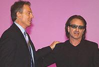 Bono y Tony Blair