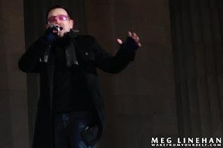 Bono ensayando para el concierto dedicado a Obama