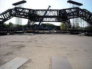 El enorme escenario de U2 360 Tour 2
