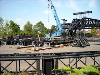 El enorme escenario de U2 360 Tour 1