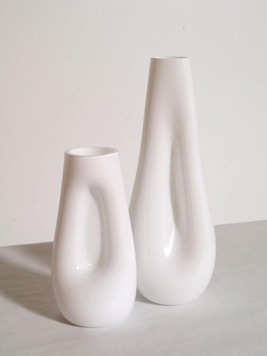 Vasi bianchi design vetro murano lattimo soffiato for Vasi moderni da interno
