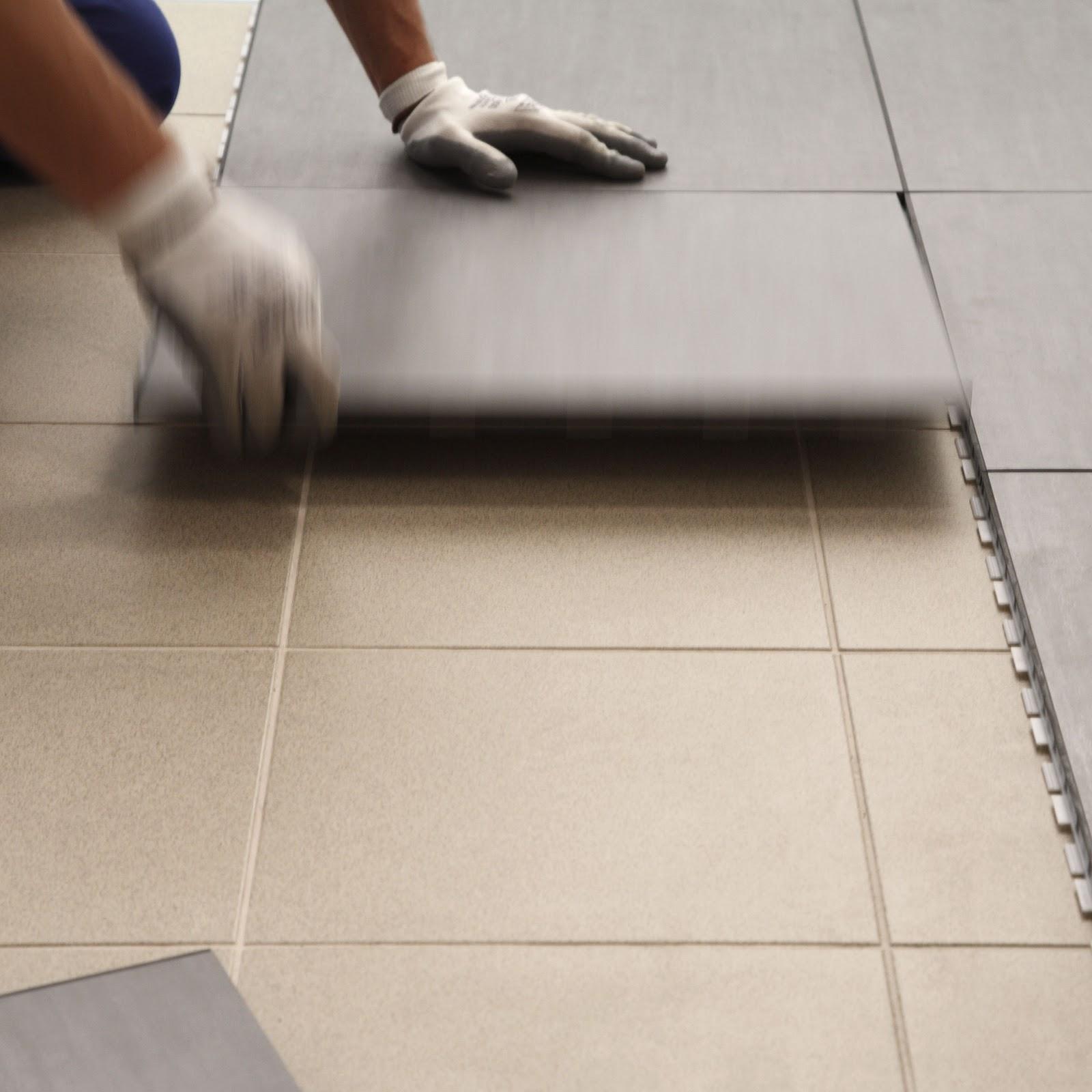 Pavimento in ceramica ad aggancio automatico - Piastrelle pvc ad incastro ...