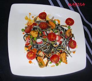 Ensalada de angulas y mejillones en escabeche en Mejillones en escabeche rojo