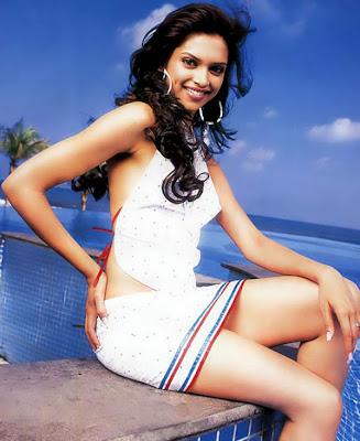 https://i1.wp.com/2.bp.blogspot.com/_SFCEpmfxTlU/Sg2__tbc8gI/AAAAAAAAAGE/rLeHflANGEw/s400/Deepika-Padukone-Sexy-Pics.jpg