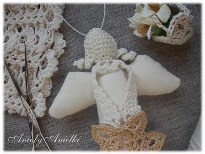 aniołek lniany i crochet