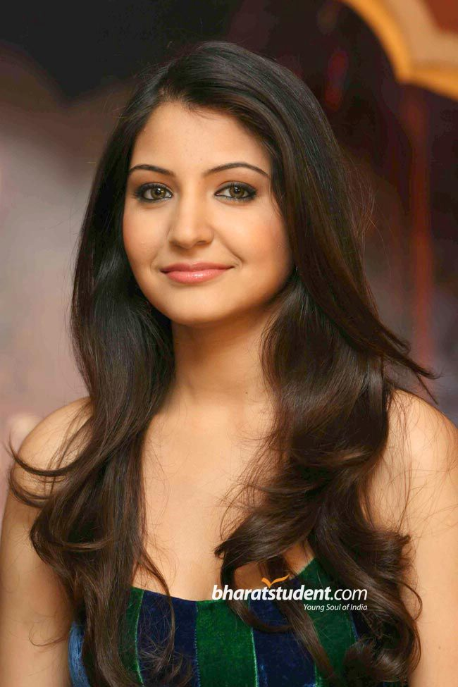 Anushka Sharma Saree: All About Celebrity: Anushka Sharma