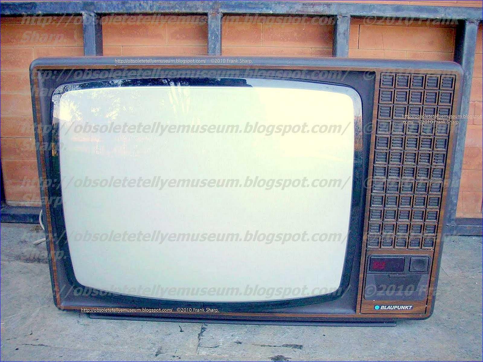 Obsolete Technology Tellye !: BLAUPUNKT TOLEDO IL32 COLOR (7 662 350