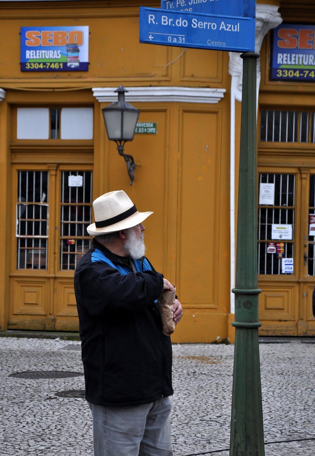 O senhor de Chapéu Panamá b30e01257fe