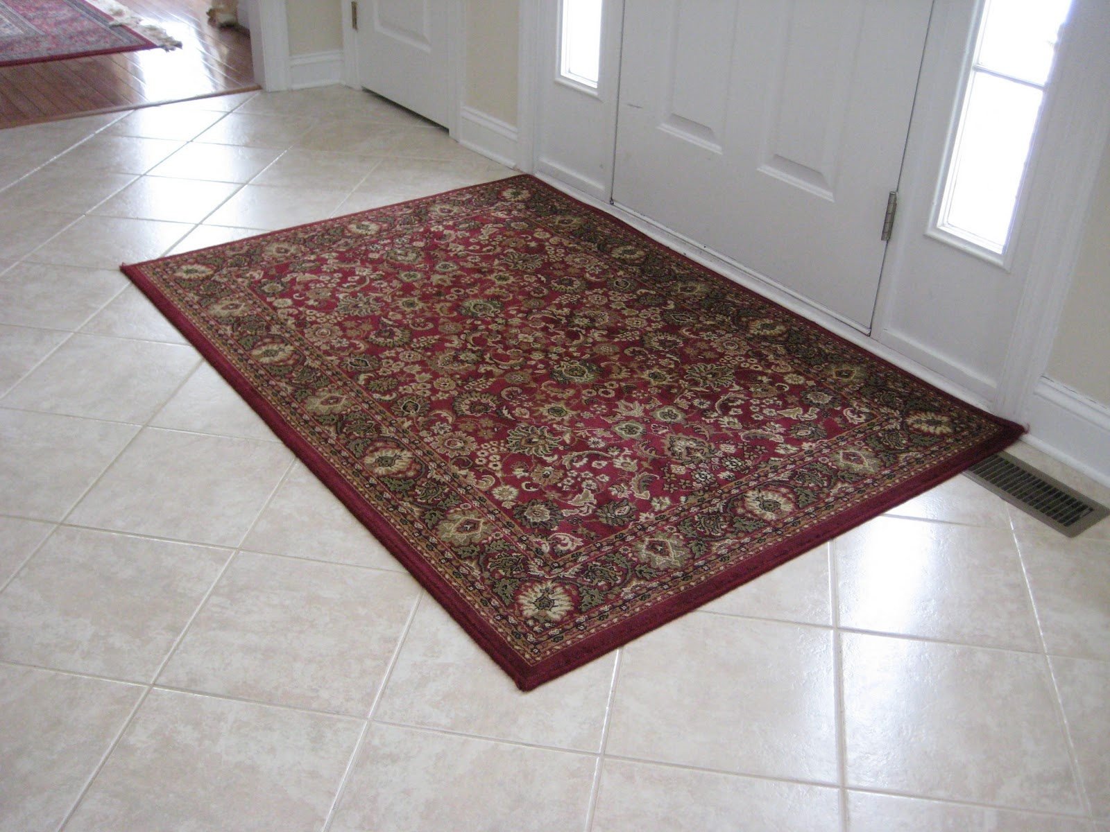 Area Rug in the foyer