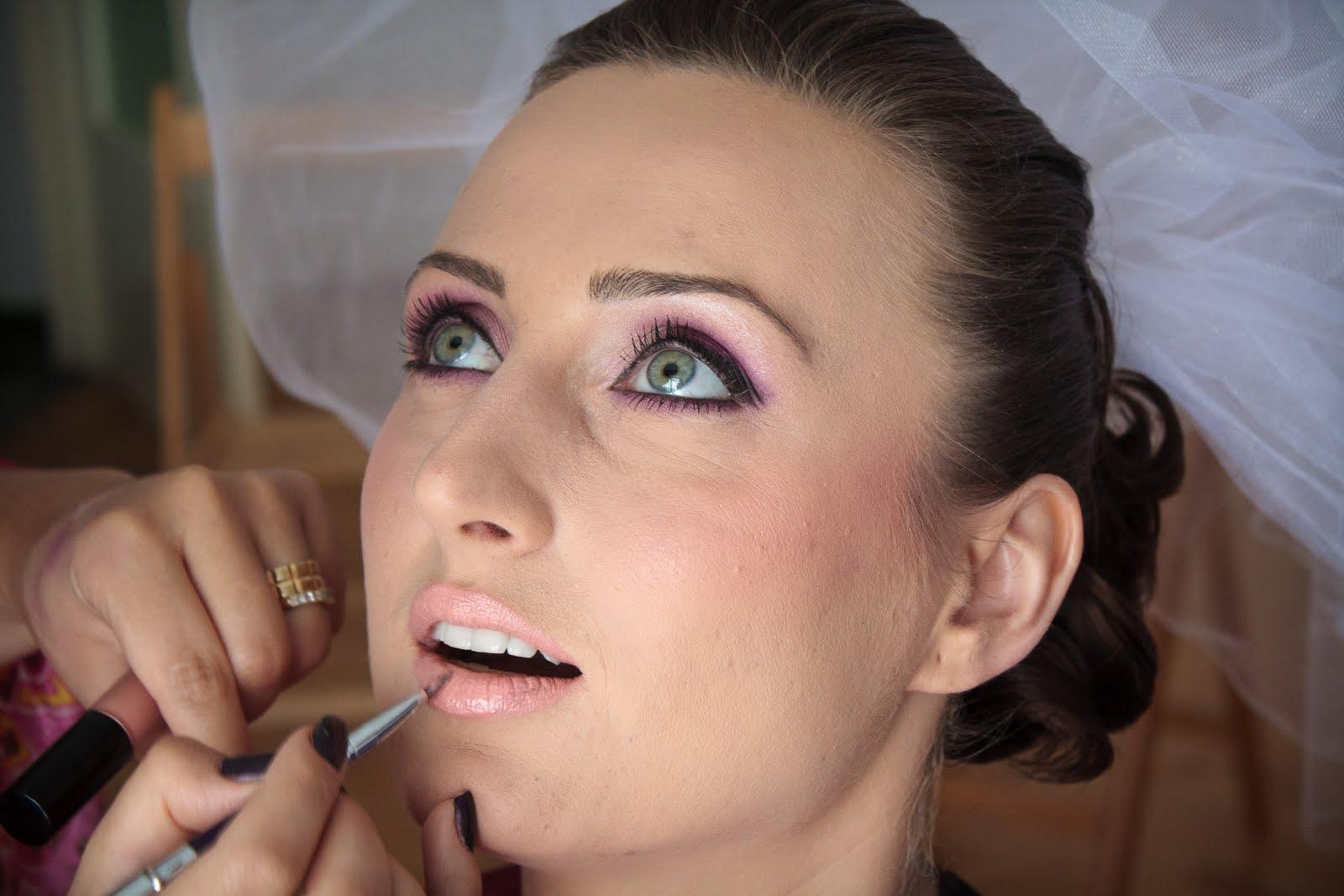 Bb Professional Make Up Artist Iasi O Mireasa Deosebita