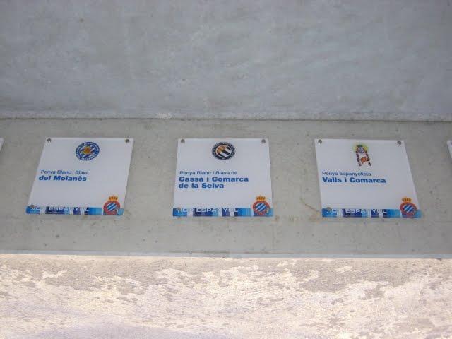 Plaques de penyes al RCDE Stadium