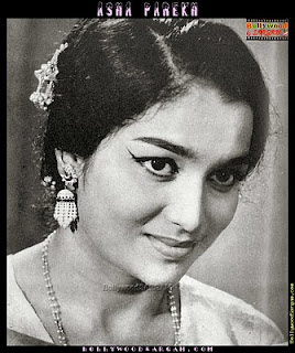 Asha Parekh sporting the 70s hairstyle with side parting