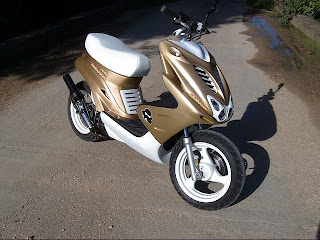all about scooters motor scooter tuning overview yamaha aerox tuning 10 photos. Black Bedroom Furniture Sets. Home Design Ideas