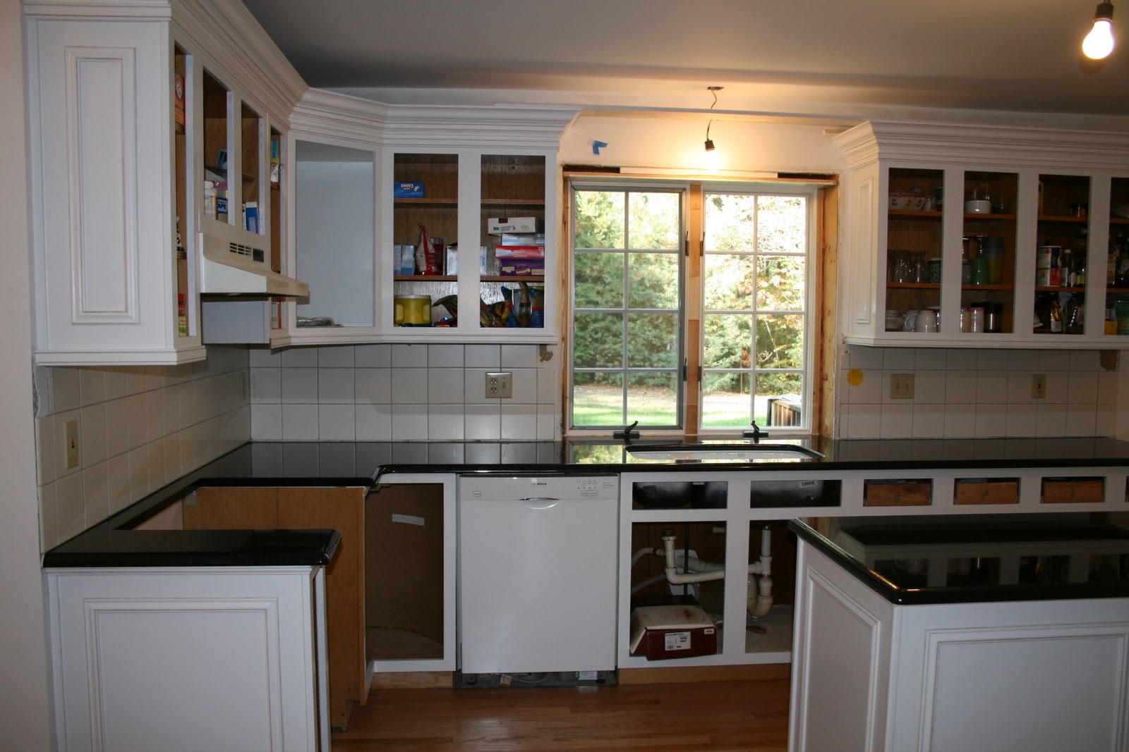Top Crown Molding Kitchen Cabinets