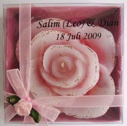 Souvenir Pernikahan Lilin Mawar Mewah Untuk Bu Dian Di Bontang
