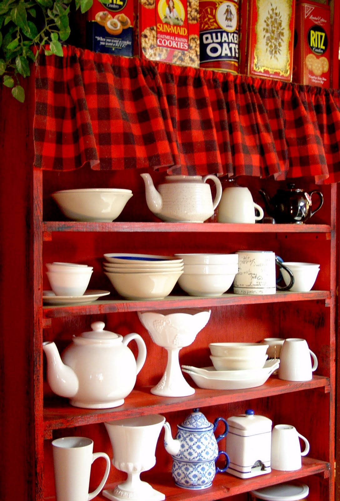 Red White Kitchen Cabinets
