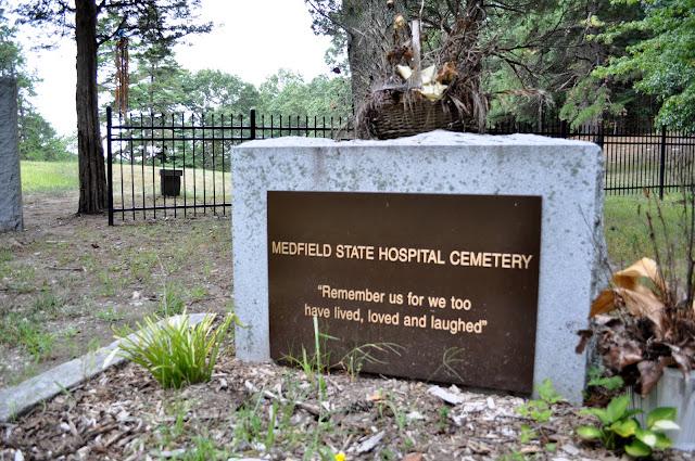 medfield hospital cemetery ile ilgili görsel sonucu
