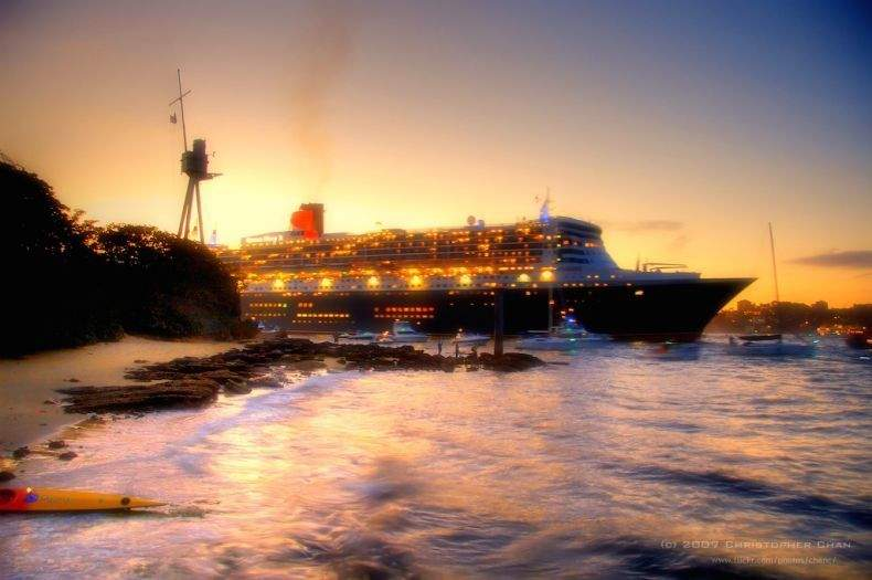 The cruise liner Queen Mary 2