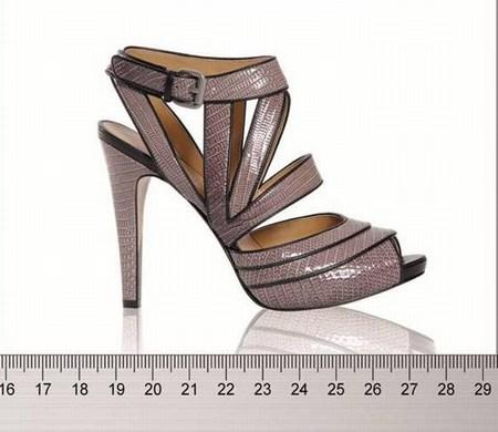 b1bef810b69 La colección de zapatos de Nine West para esta primavera verano de 2010 es  fantástica, y no sólo por lo bonitos que son sus modelos, sino porque nos  ofrece ...