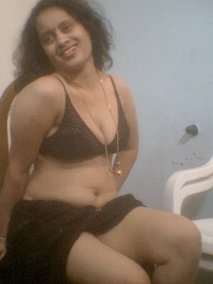 Hot Indian Aunty Bra