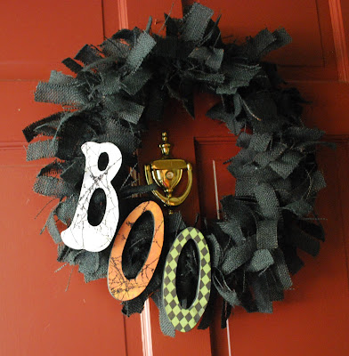 Black Halloween burlap wreath craft