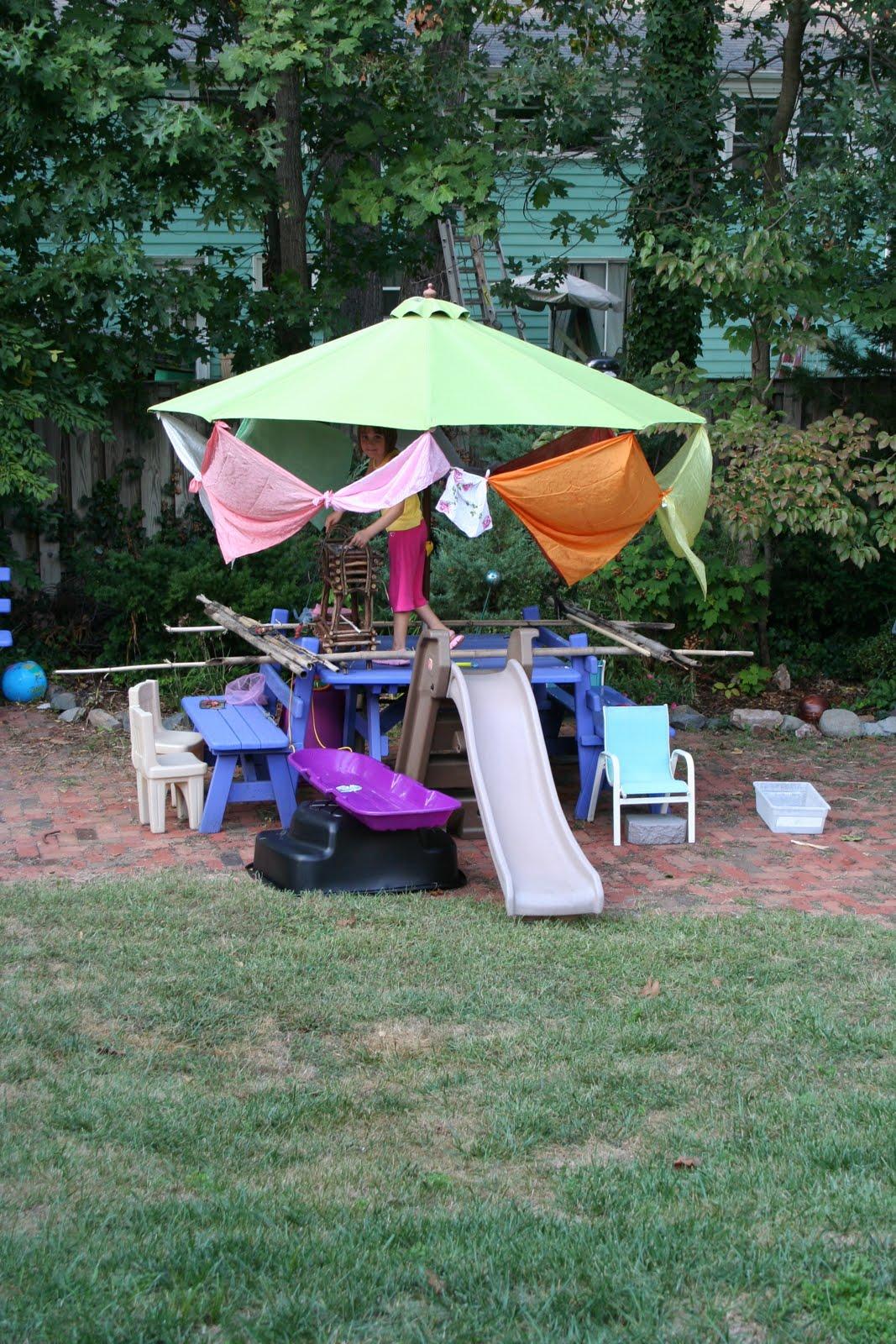 pink and green mama backyard fun forts