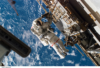 Space Shuttle Endeavour  STS-118 EVA, Image credit: NASA