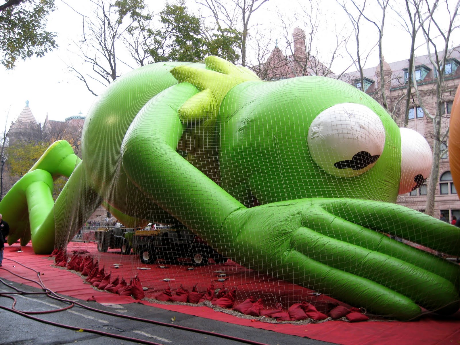 Kermit the Frog Balloon Macy's Thanksgiving Day Parade Public ...
