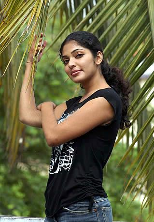 Miss Keralalatest High Quality Photos Of Malayalam Actresssouth Indian Actressrima Kallingal Looking Cuterima Kallingal Hot Stillsrima Kallingal