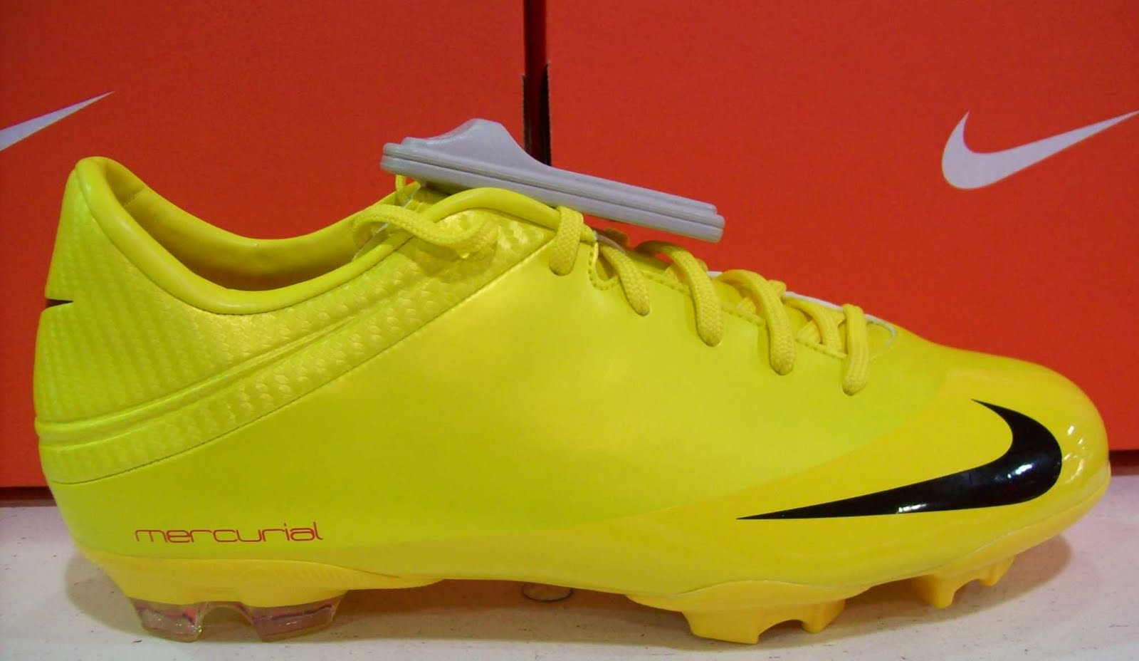 Zapatillas de fútbol Nike Mercurial Superfly 6 Club Neymar Mg Jr AO2888 710 amarillo amarillo