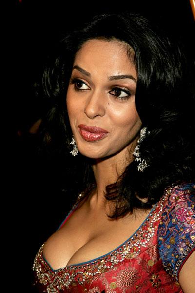 Bollywood Fan Mallika Sherawat Hot Deep Cleavage Photos -5456