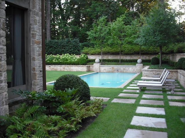 Limestone Amp Boxwoods The Perfect Pool