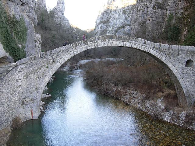 Αποτέλεσμα εικόνας για Σε κίνδυνο τα πέτρινα γεφύρια της Ελλάδας