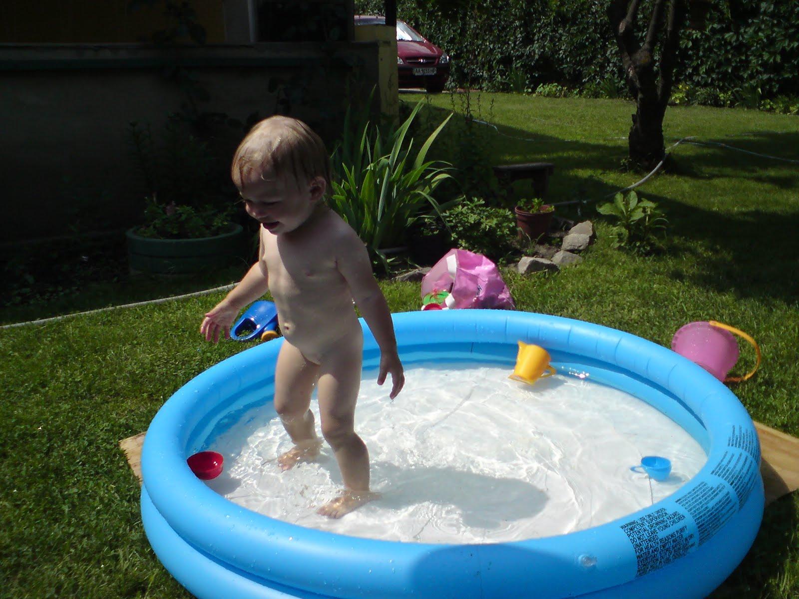 знакомсьво в бассейне