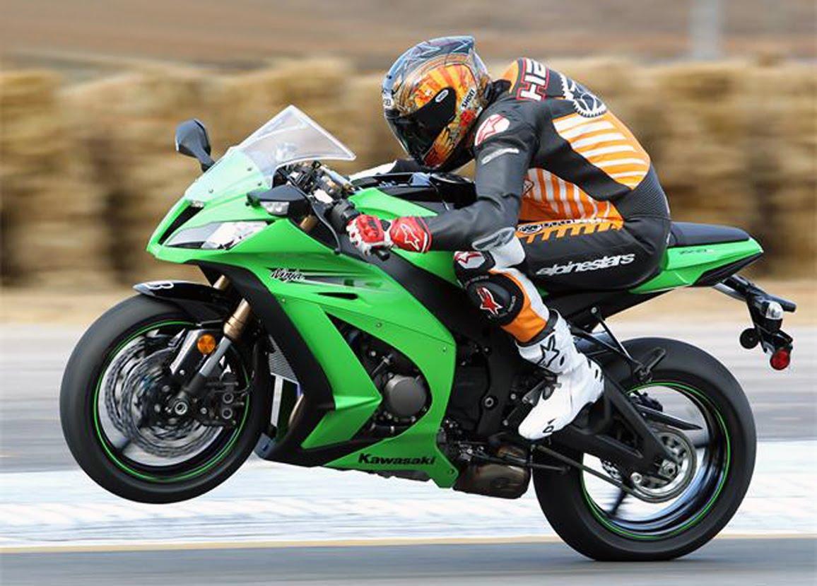 Burn the Hell's Highway: 2011 Kawasaki Ninja ZX-10R