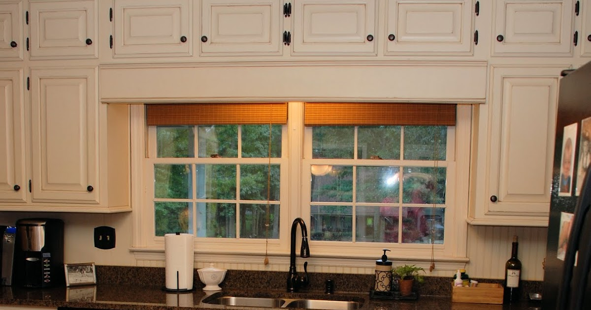 Oak Kitchen Cabinets With White Countertops