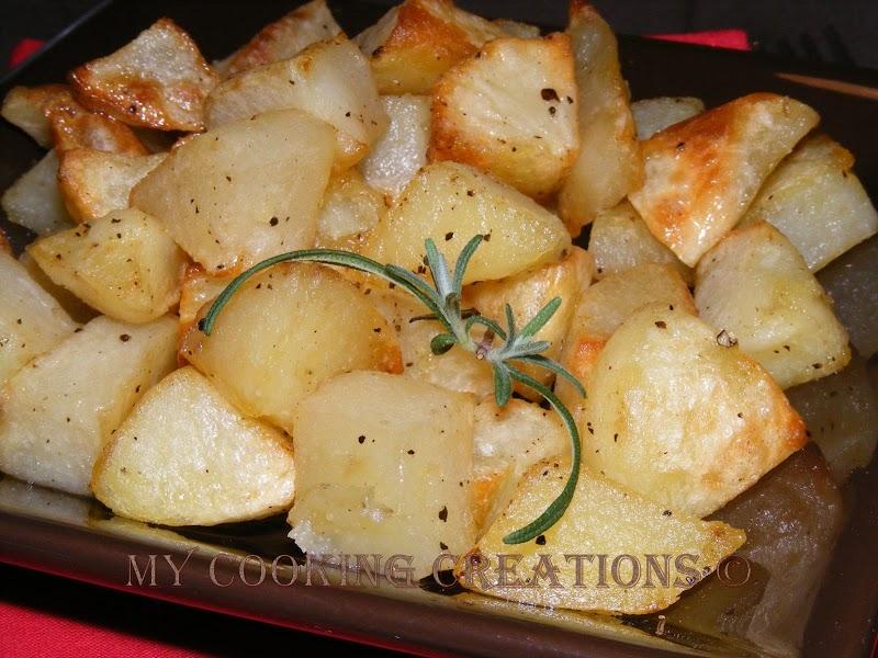 Печени картофи розмарин, чесън и зехтин