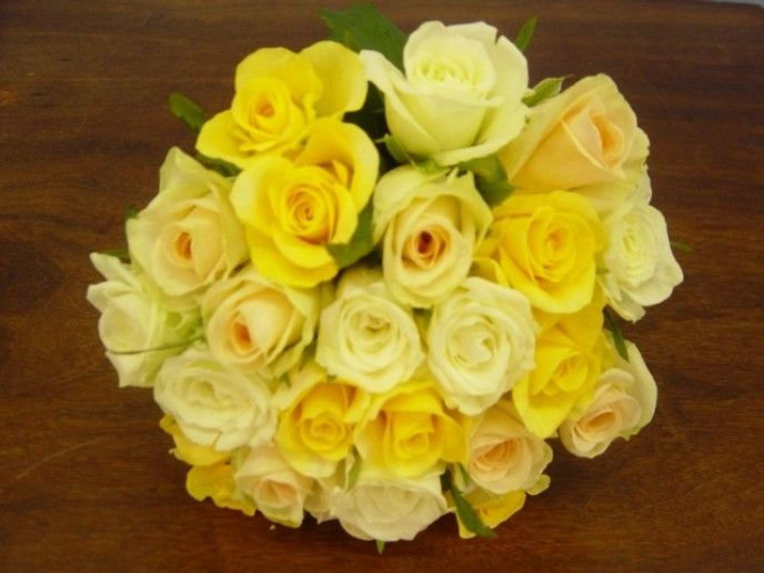 Bouquet Bridal: Yellow Roses Bridal Bouquet